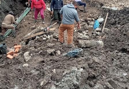 EL GADPI TRABAJANDO CONJUNTAMENTE CON LAS JUNTAS DE AGUA Y LOS MORADORES EN EL MANTENIMIENTO DE ALCANTARILLADO PARROQUIAL.